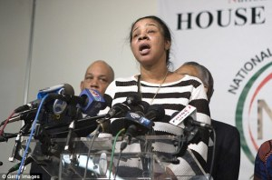 Eric Garner's widow denounces violence against police