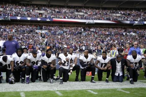 24-nfl-ravens-jaguars-anthem-protest_w710_h473
